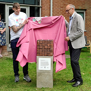 Sculpture unveiled to promote peace and raise awareness of the consequences of violence
